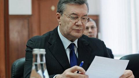 Янукович поменял адвоката