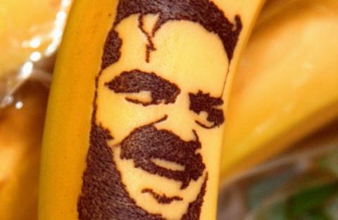 Портреты на бананах
