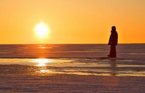 Житель Петрозаводска сделал завораживающие снимки утра на Онего