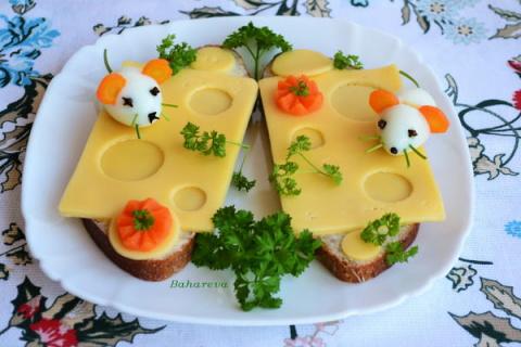 Бутерброд «Мышки на сыре»