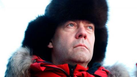 Медведев впервые отреагирова…