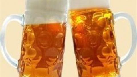 Русские пьют пиво ведрами…