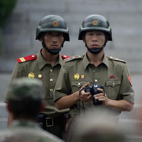 Армия КНДР угрожает превенти…