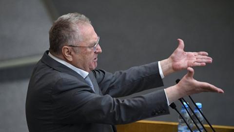 Жириновский предложил штрафовать болеющих и игнорирующих прививки депутатов