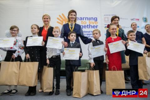 Марину Порошенко уличили в краже денег для детей-инвалидов