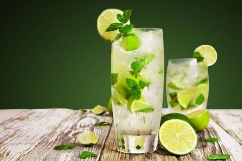 Безалкогольный мохито - идеальный напиток для летнего пикника