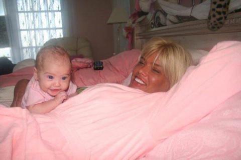 Прошло 10 лет после смерти Анны Николь Смит. Как сегодня выглядит ее дочь?