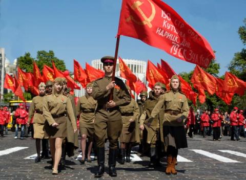 Манифест пролетариев мира!