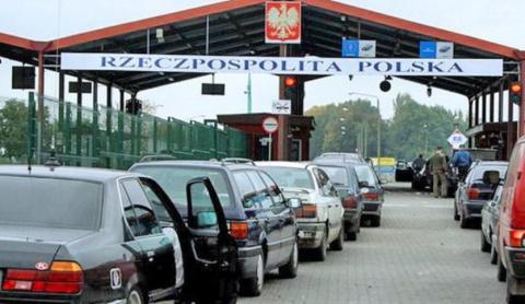 Безвизовые пляски. Польша ограничивает въезд, украинцы штурмуют границу