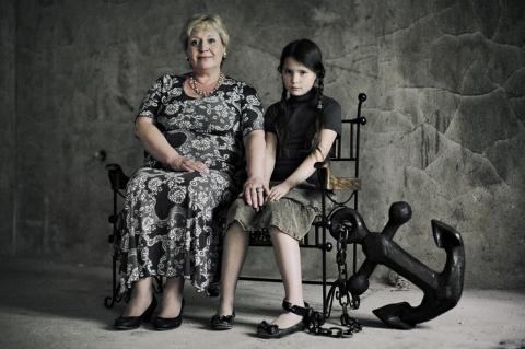 Стальные оковы материнской любви, или почему гиперопека вредна для вашего ребенка?