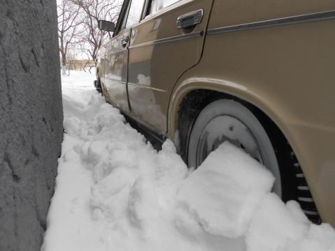 Как самостоятельно вырваться из снежного плена (видео)