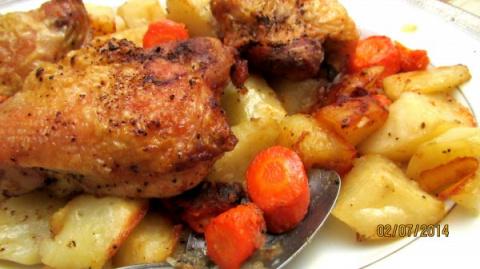 Курица с корнеплодами в духовке