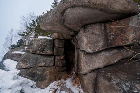 Непостижимые артефакты — мегалиты Шайтанского озера, Россия