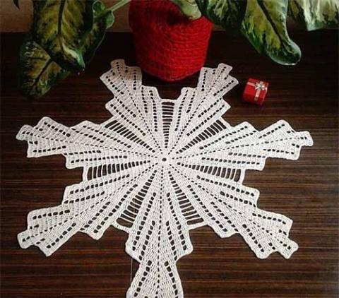 Салфетка-снежинка