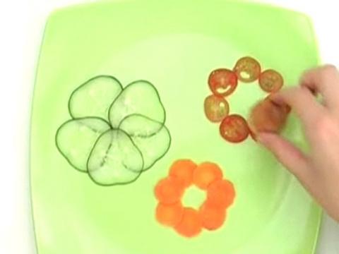 Тунец и цветы из сыра