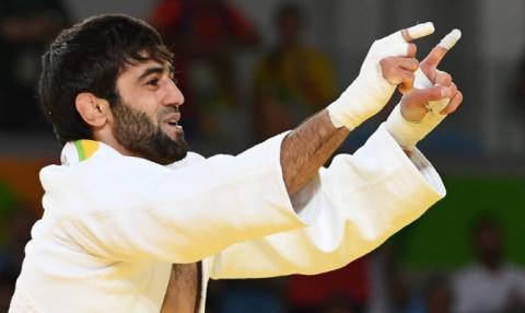 Дзюдоист Мудранов завоевал золото на Олимпиаде, принеся первую медаль сборной России