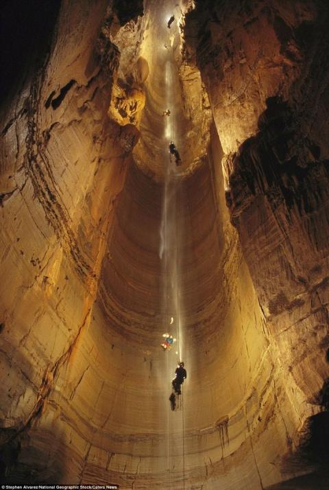 Самая глубокая пещера в мире (36 фото)