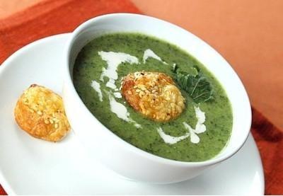 Вкусный зеленый суп с клецками