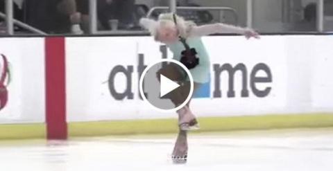 Как у нее это получается — так владеть коньками? Ведь бабушке 90 лет!