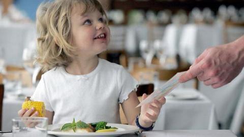 Если вы пошли в ресторан с ребенком
