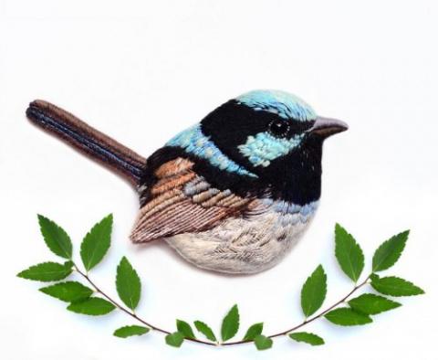 Вышитые броши в виде птиц от…