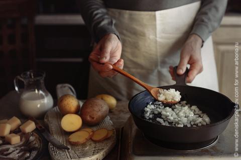 Если еда прилипает к сковороде...