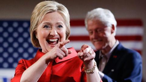 Обама поздравил Клинтон с по…
