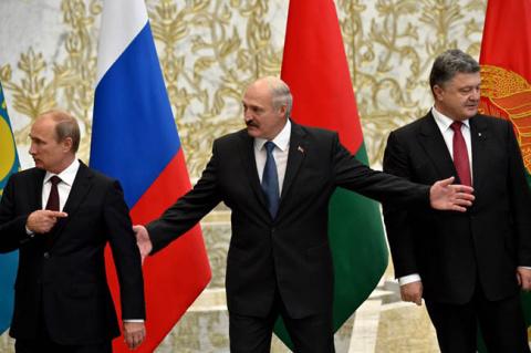 Сможет ли Лукашенко примирить в Минске Восток и Запад?