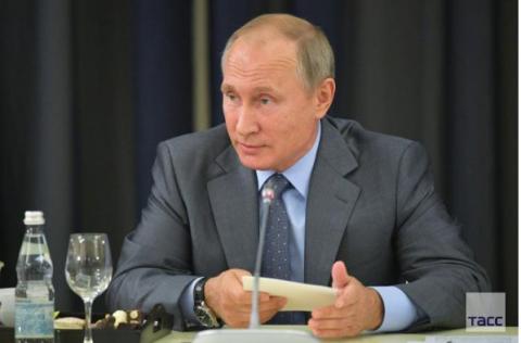 Путин подписал закон о СМИ-иноагентах