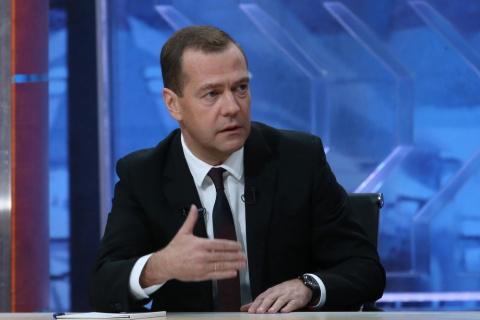 Медведев ответит на вопросы …