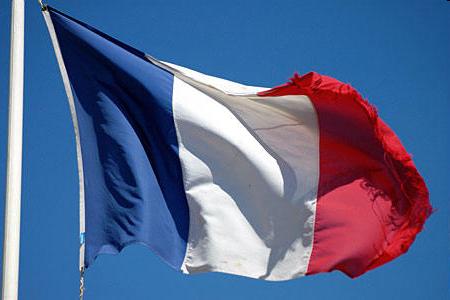 Франция: Кандидат на пост президента выступил за выход из НАТО