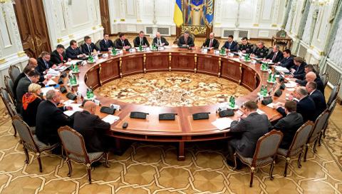 Украина закрыла грузовое сообщение с ДНР и ЛНР 12:1815.03.2017