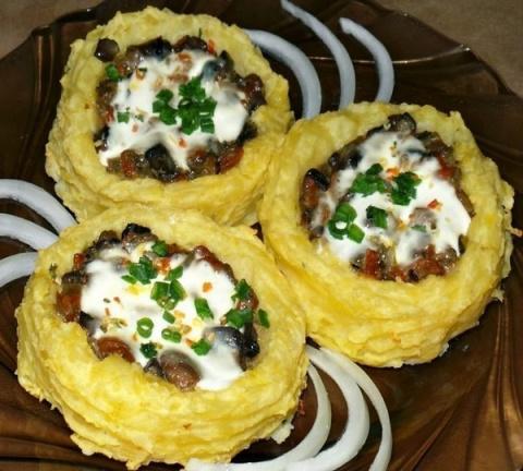 Картофельные гнезда с грибам…