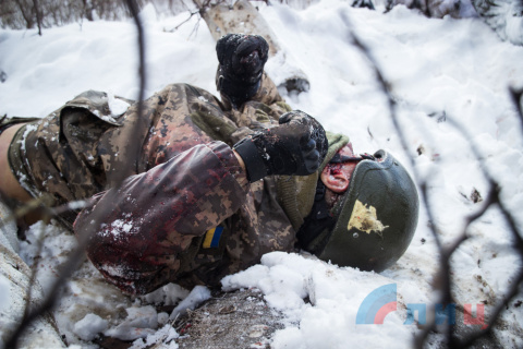 На Донбассе снайперским огнё…