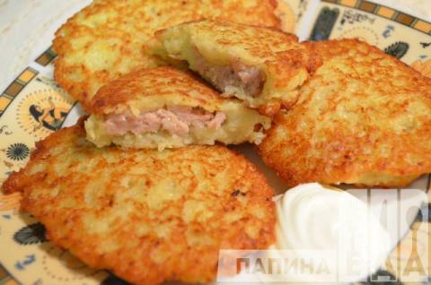 Картофельные деруны с мясом