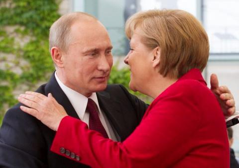 Вассерман: Меркель отчаянно …