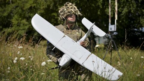 """Поржал)))) """"Sunday Times: британская армия закупила дроны, неспособные летать под дождём"""""""