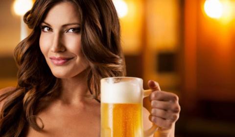 Как использовать пиво для ухода за волосами и кожей: 6 простых советов