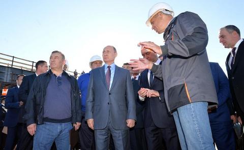Осмотр участка строительства Крымского моста