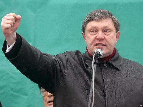 Явлинский: Задержанных необх…