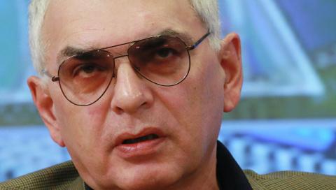 Шахназаров ответил на критик…