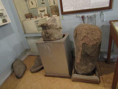 Каменные идолы Себежского музея