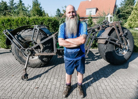 Немецкий умелец смастерил самый тяжелый в мире велосипед