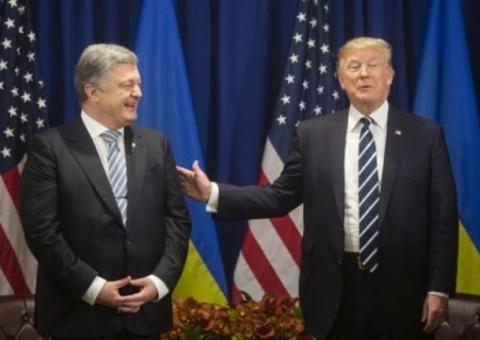 Киев анонсировал объятия Пет…
