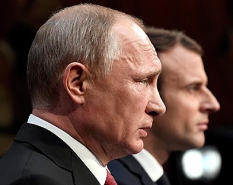 Разочарованный Путин в Париж…