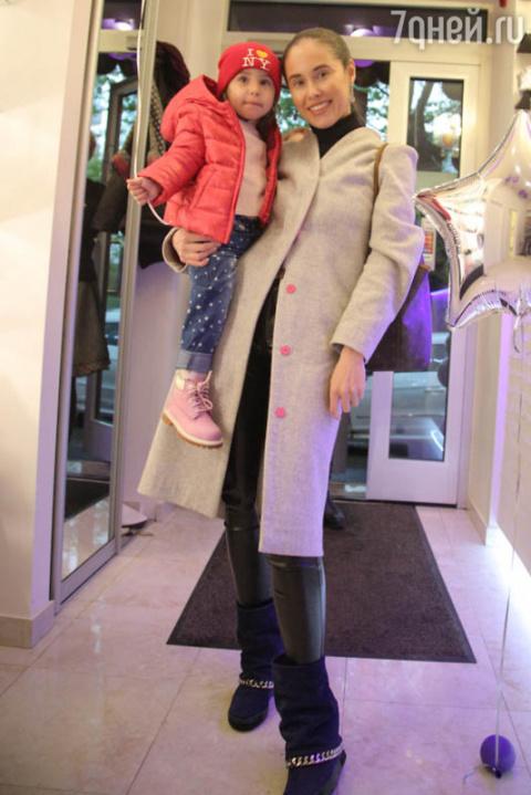 Двухлетняя дочь Иланы Юрьево…