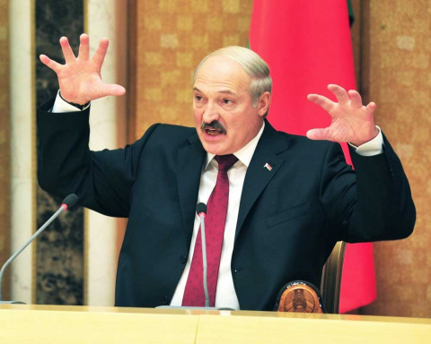 Лукашенко бросил перчатку Путину