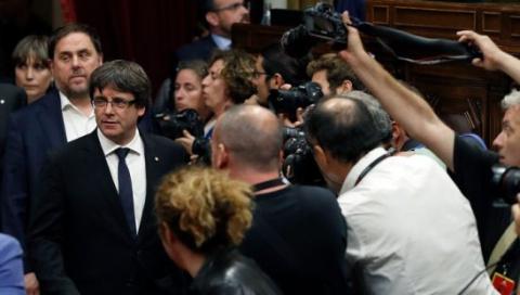 Независимость на время откладывается: глава Каталонии призвал к диалогу с Мадридом.
