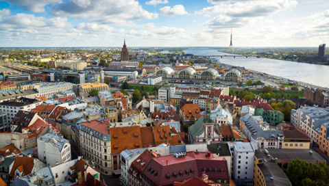 Латвия не смогла полностью к…