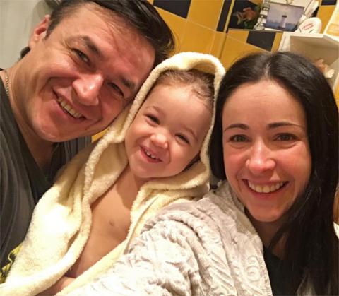 Любовь Тихомирова растит дочь-певицу